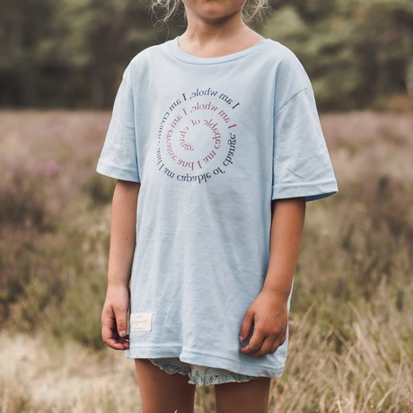 Duurzame kinder t-shirt – I AM WHOLE – Daily Mantra from Daily Mantra