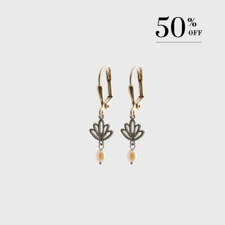 Lotus with drop pearl earrings gold 50% SALE from Julia Otilia