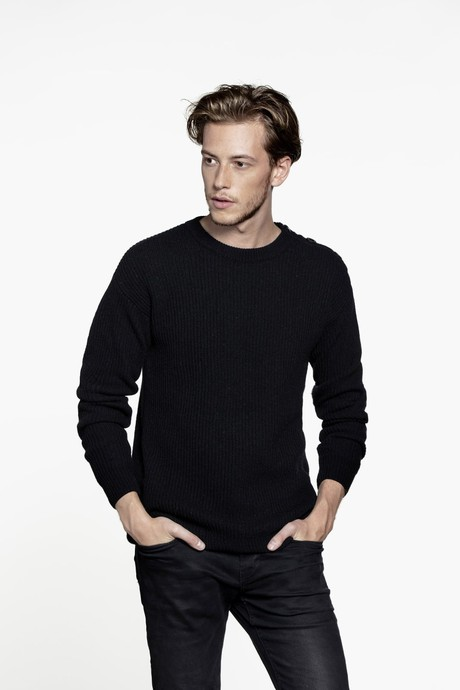 Today Men Sweater – Black from Loop.a life
