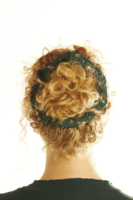 Scrunchie - Floral Green from The Garland Stories