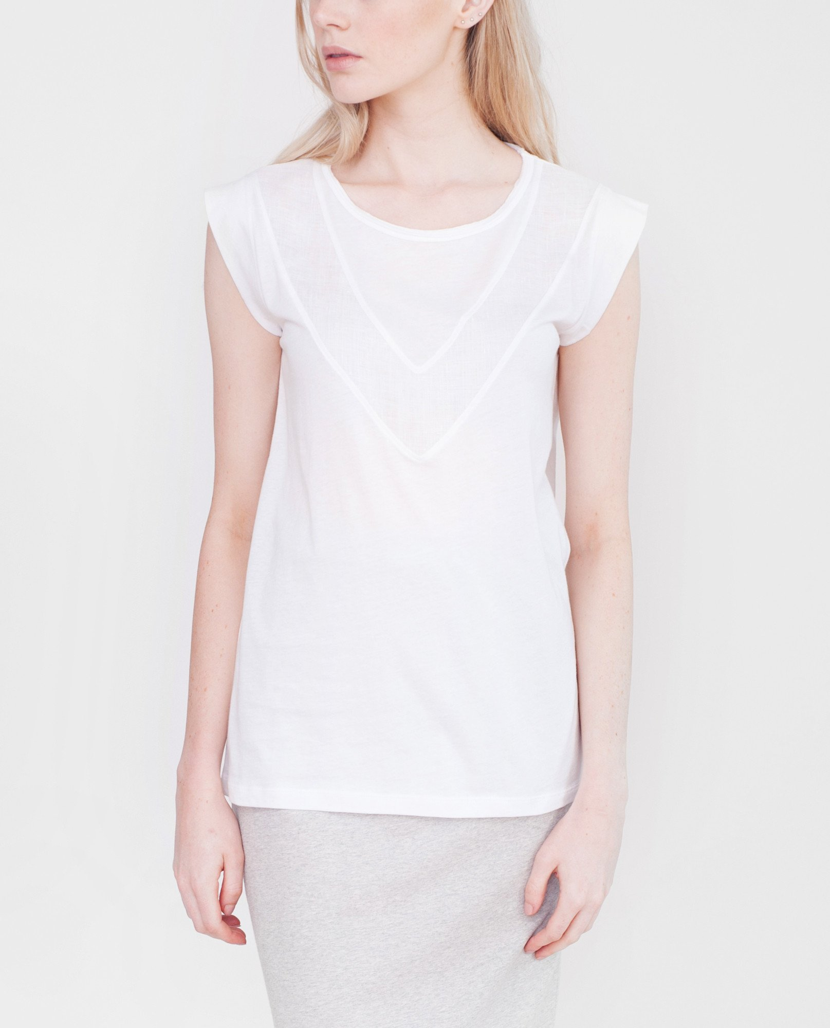 ANNABELLE Organic Cotton And Linen Top In White from Beaumont Organic