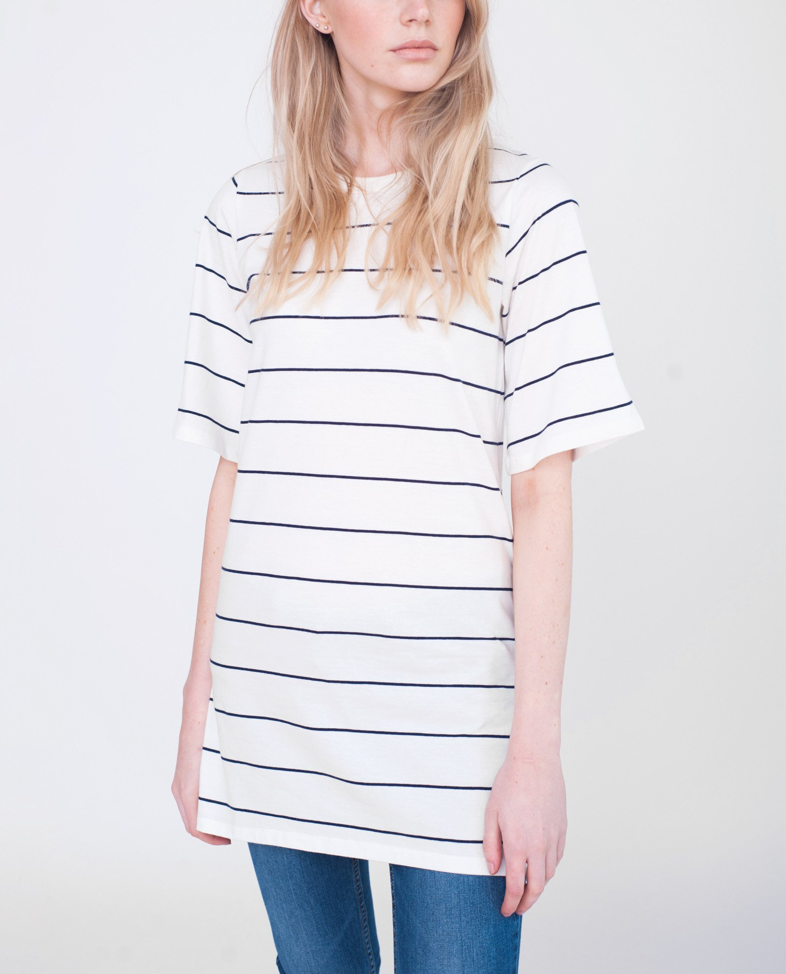 SAVANNAH Organic Cotton Tshirt In Off White And Navy from Beaumont Organic