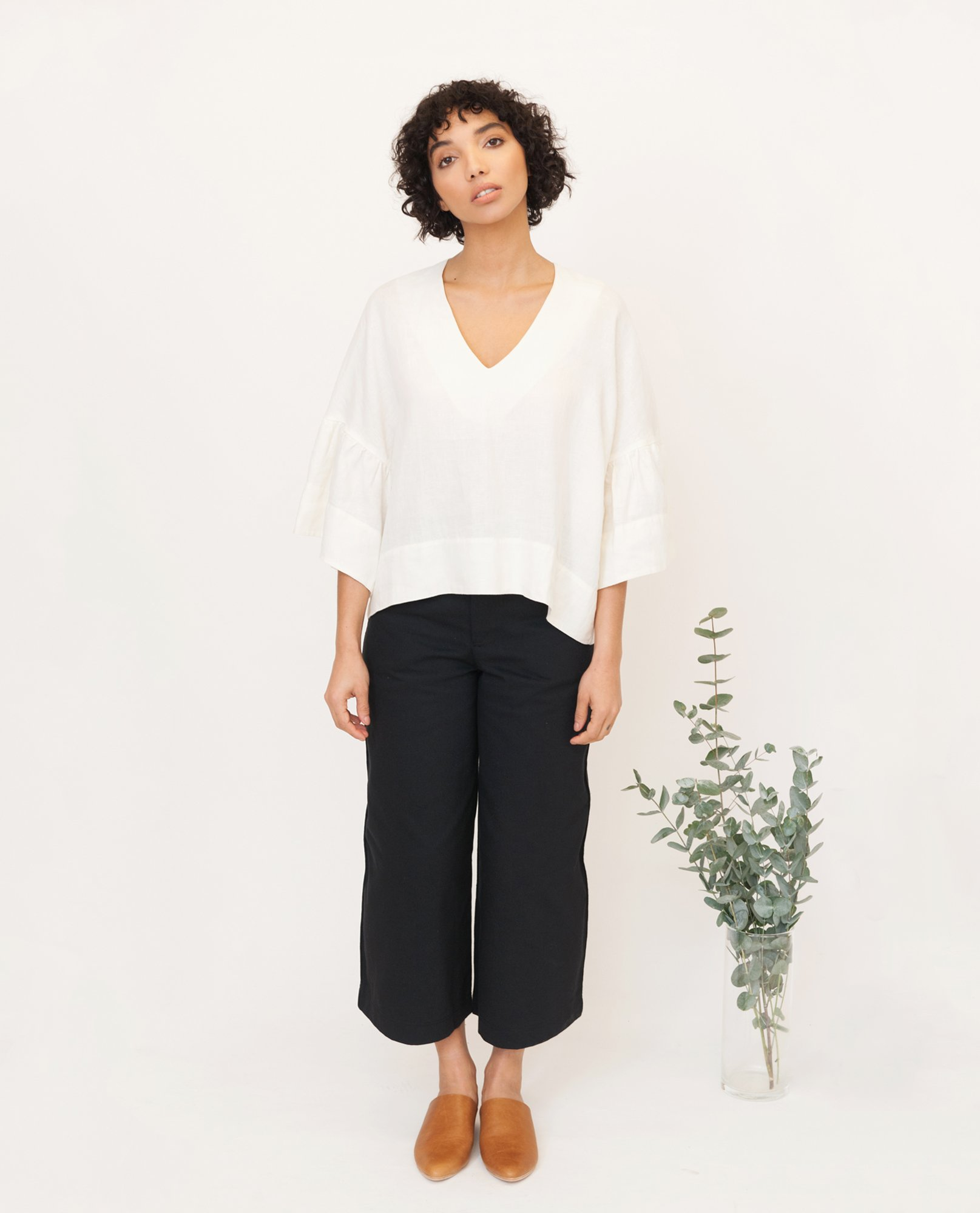 RITA-JO Linen Top In Off White from Beaumont Organic