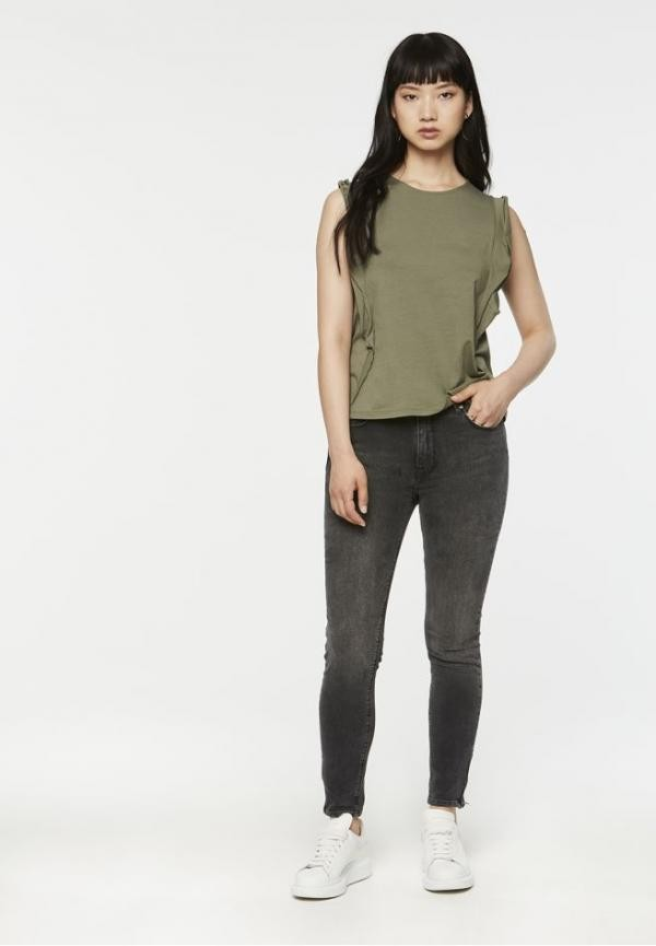 Ros top - kaki from Brand Mission
