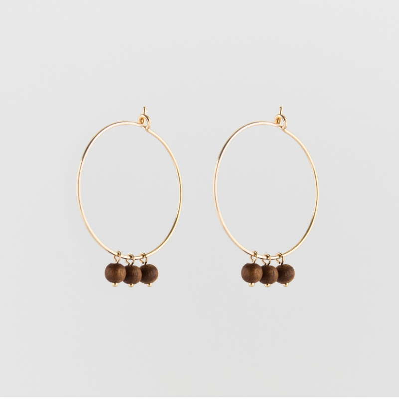 Sandelwood creole earrings gold from Julia Otilia