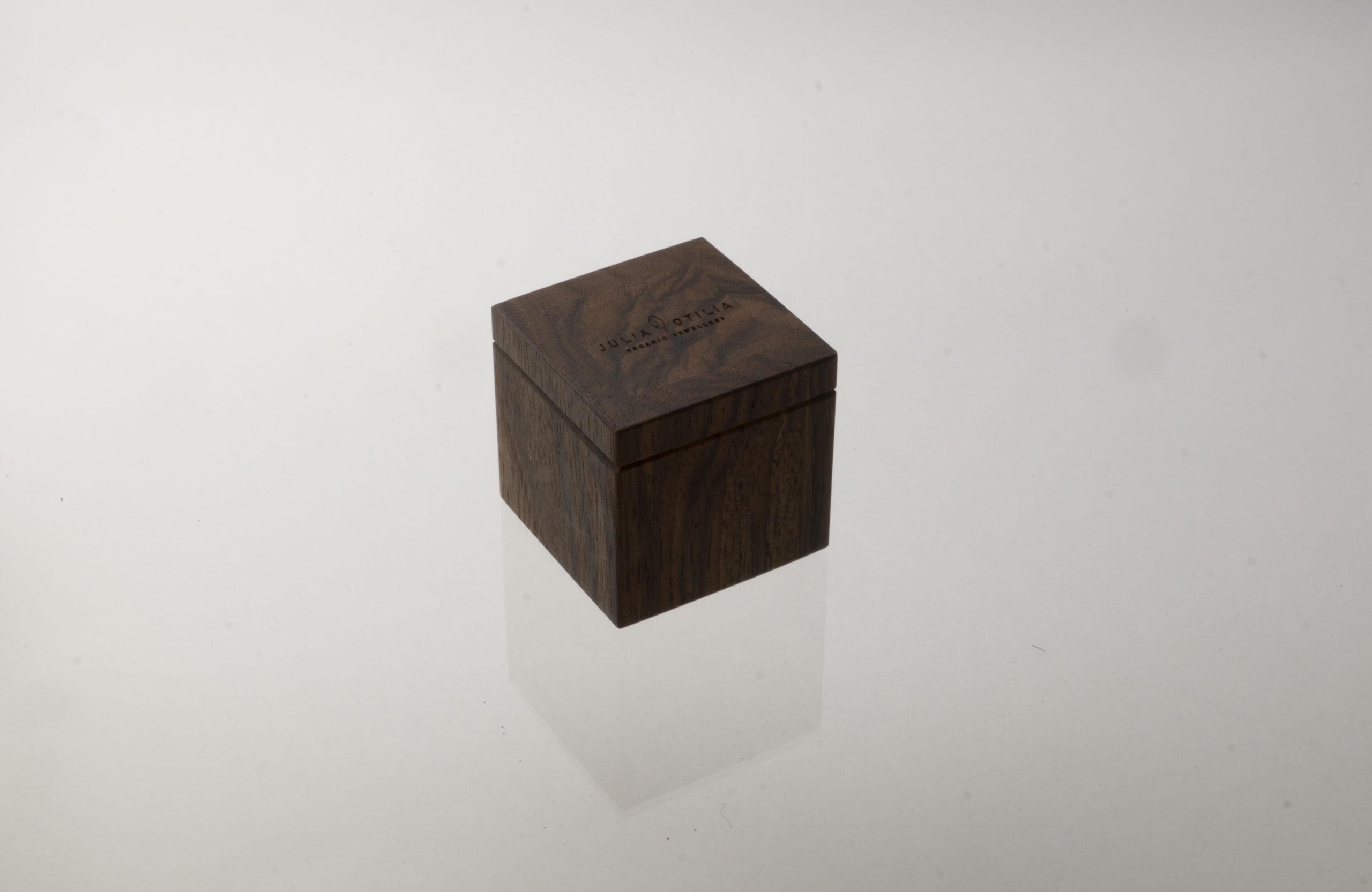 Walnut box small from Julia Otilia