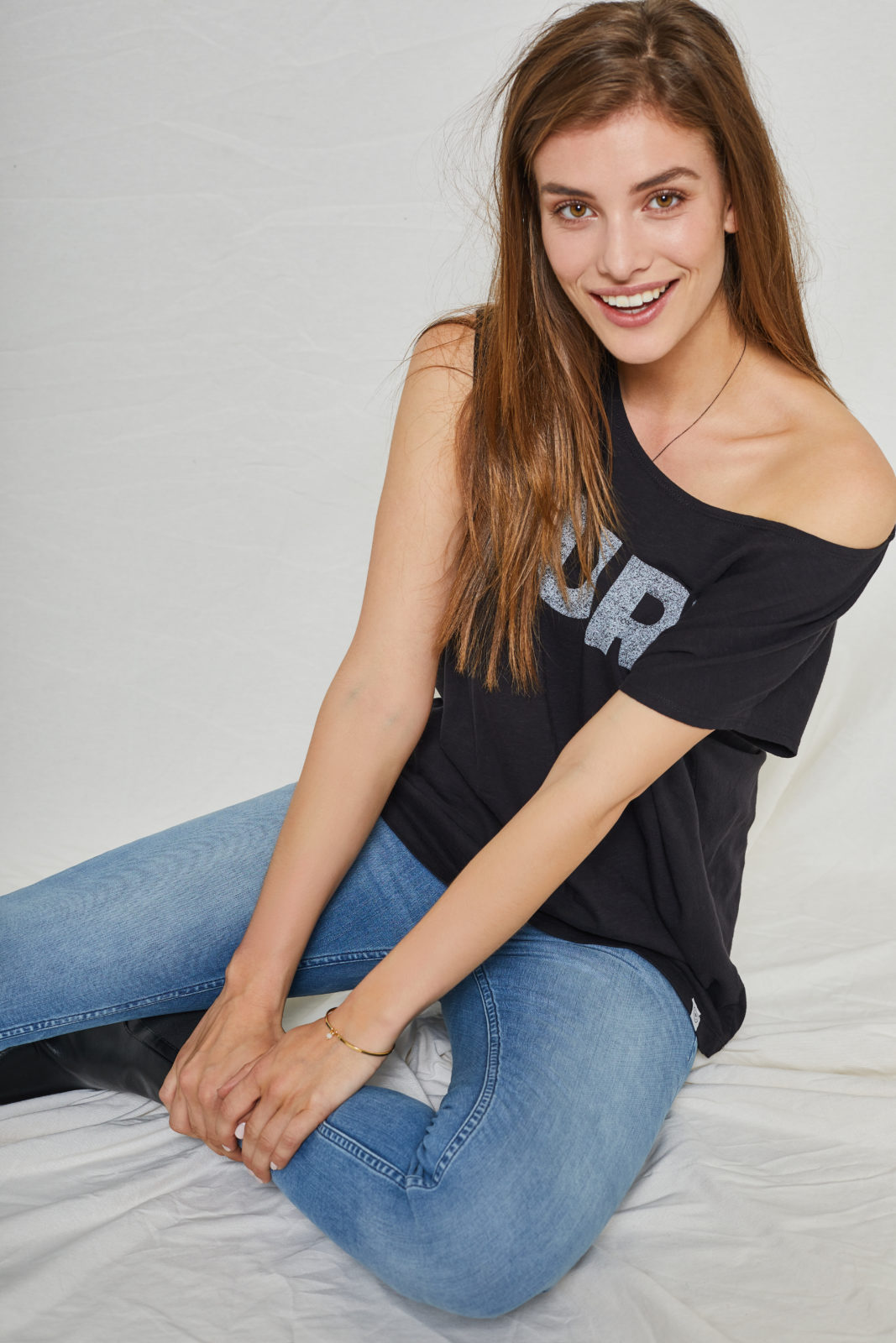 Violet Pure Boxy Tee Black from Kuyichi