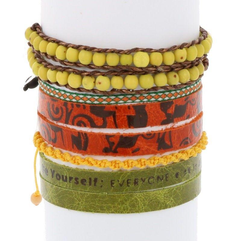 Colombianas - set kleurrijke handgemaakte armbandjes - groen - geel - oranje from MoreThanHip