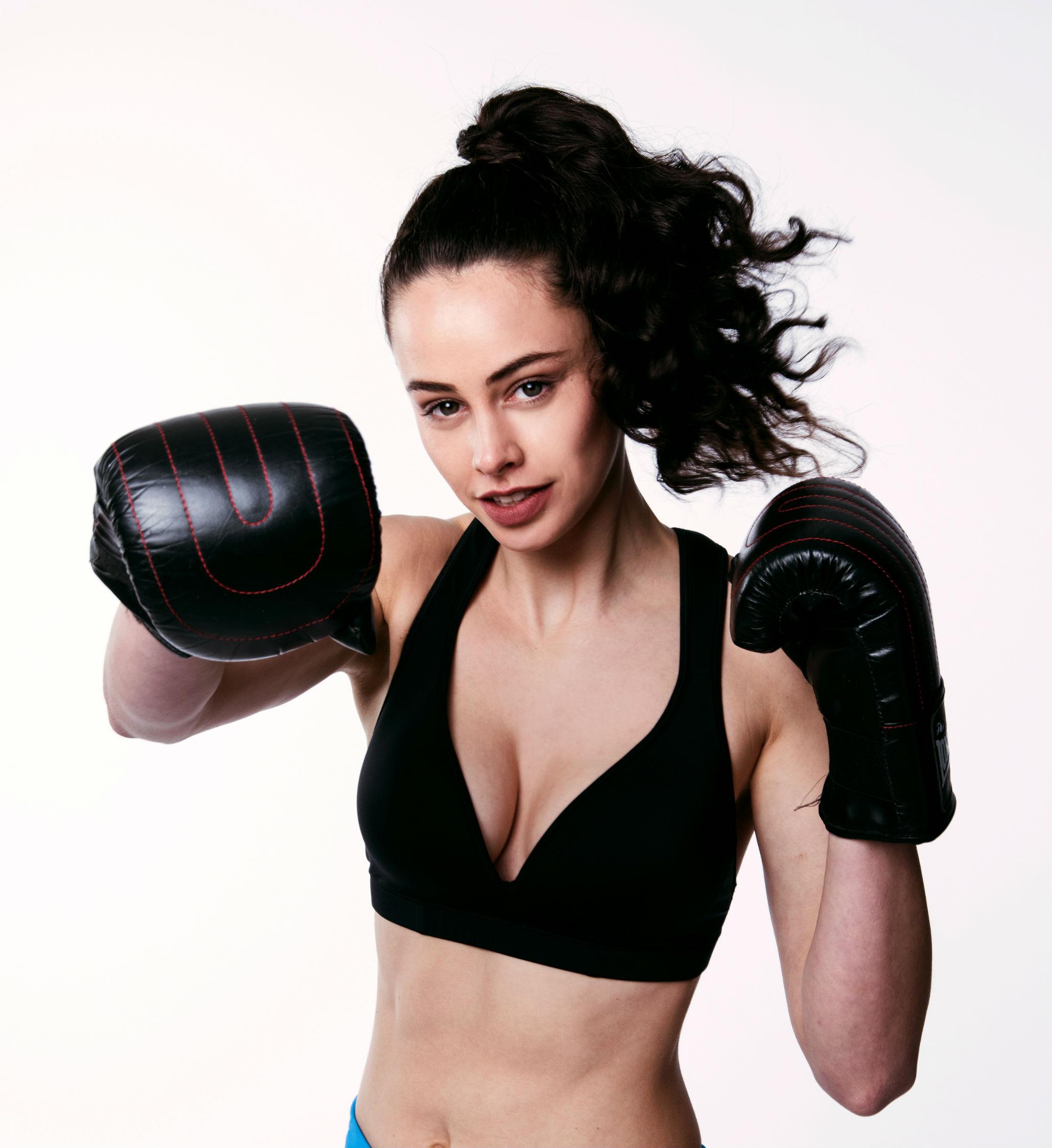 Leilani Black Sports Bra – Women's Gym to Swim Wear from RubyMoon