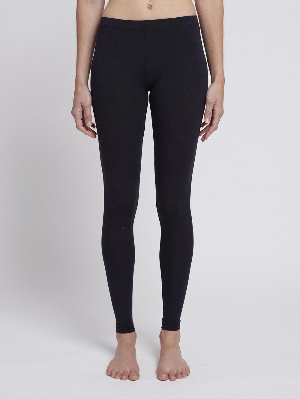black leggings from Silfir