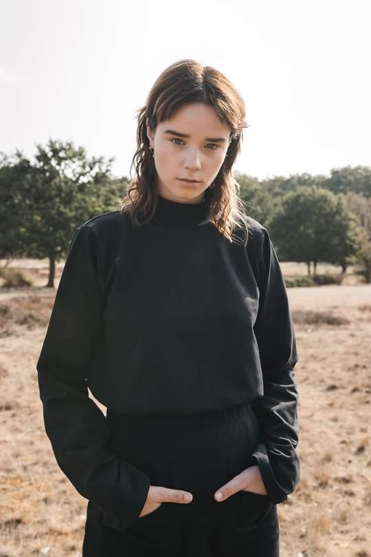 Highneck sweatshirt black from thegreenlabels.com
