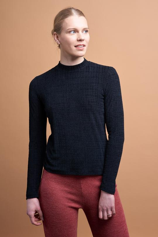 Eva long sleeve top black from thegreenlabels.com