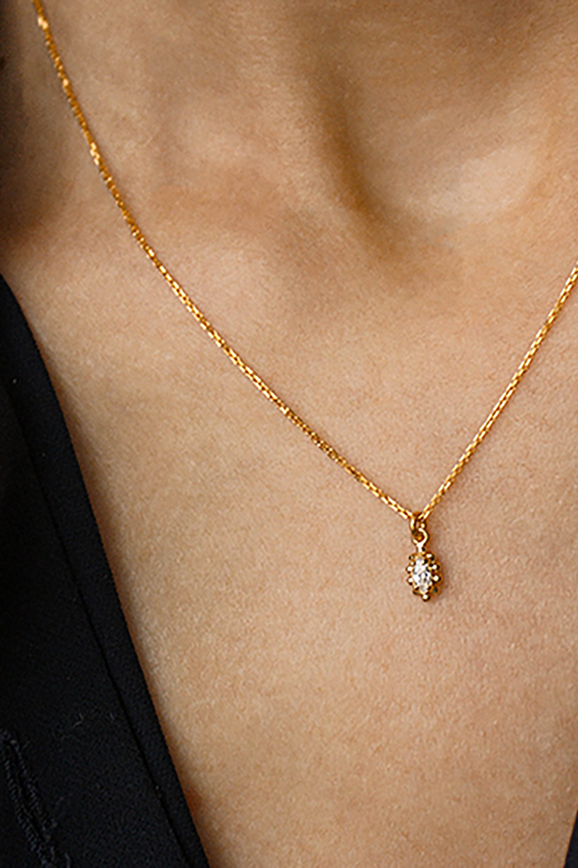 Nori necklace gold from thegreenlabels.com